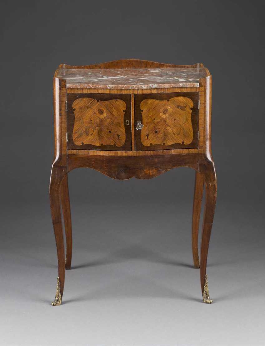 SMALL occasional chest of drawers France, at the end of 18. Century - photo 1