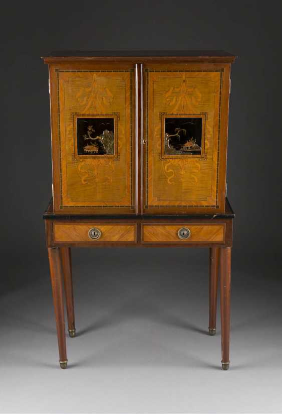 ESSAY WRITING CABINET WITH CHINOISERIE - photo 1
