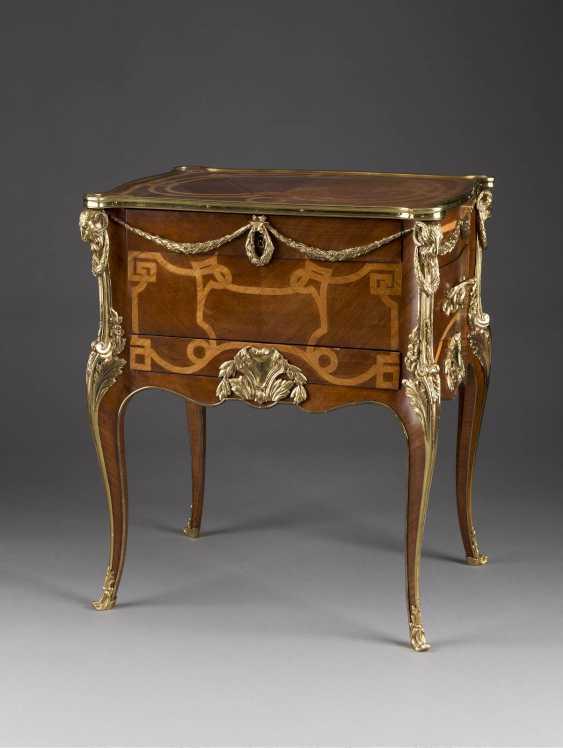 NAPOLEON III - women's writing chest of drawers France, around 1880. - photo 1