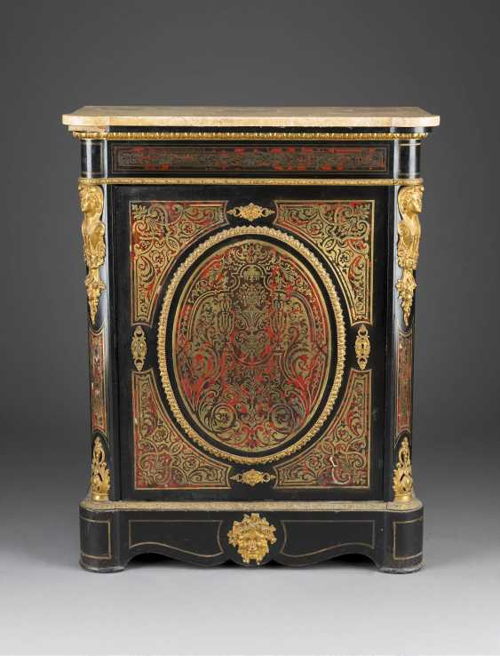 HALF-CUPBOARD WITH BOULLE-MARQUETRY - photo 1