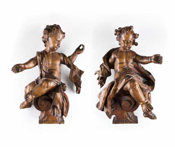 TWO altar angels South Germany, around 1740. - photo 1