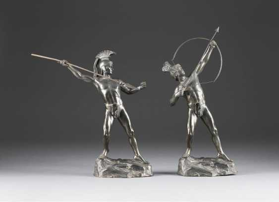 HERMANN EICHBERG shooter Active around 1900 in Berlin, Two sculptures: the spear thrower and the bow - photo 1
