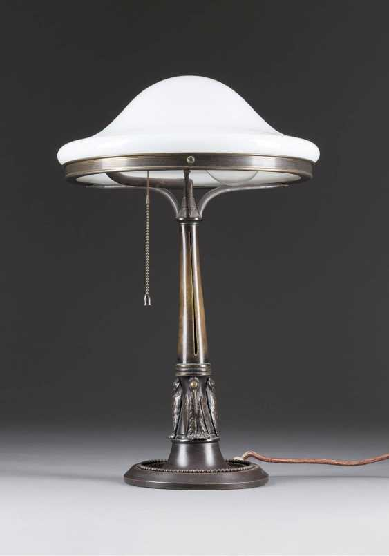 Art NOUVEAU table lamp, Probably Vienna, early 20's. Century - photo 1