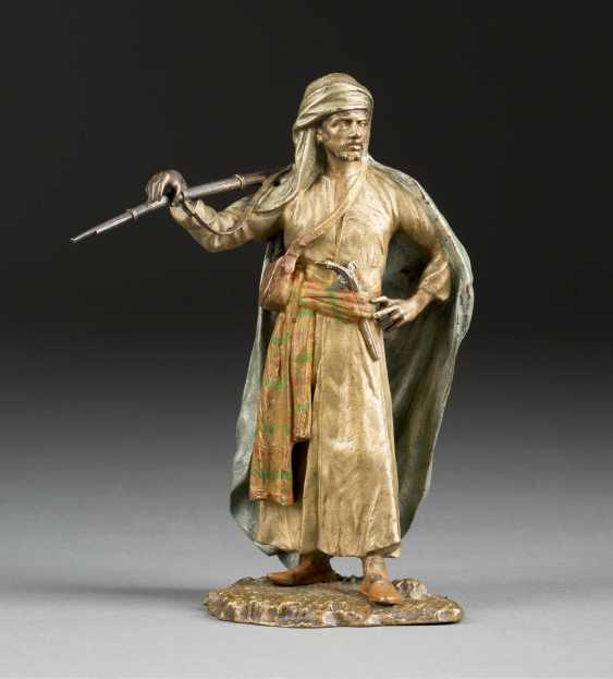 FRANZ XAVER BERGMANN 1861 - 1932 who was active in Vienna Arabs with rifle - photo 1
