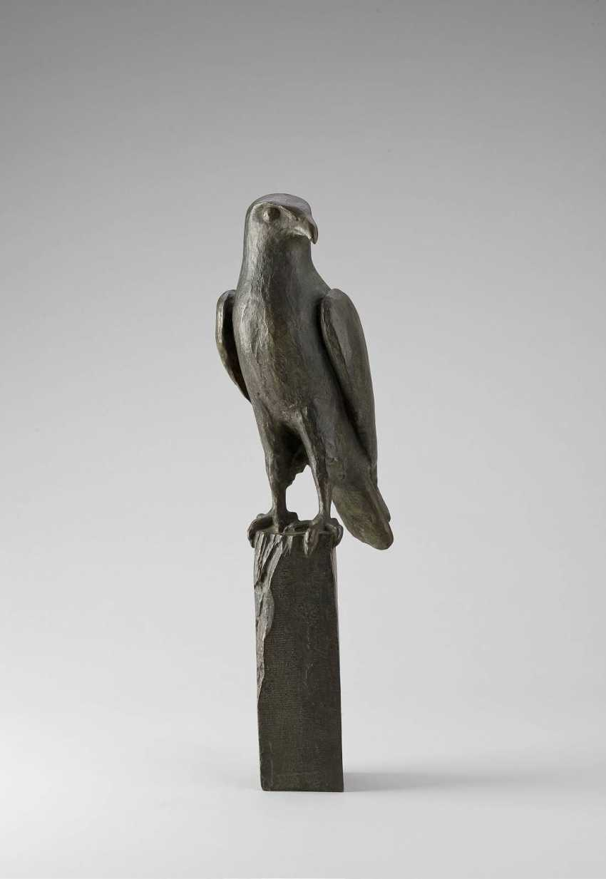 GERMAN sculptor Active in the beginning of 20. Century Falcon - photo 1