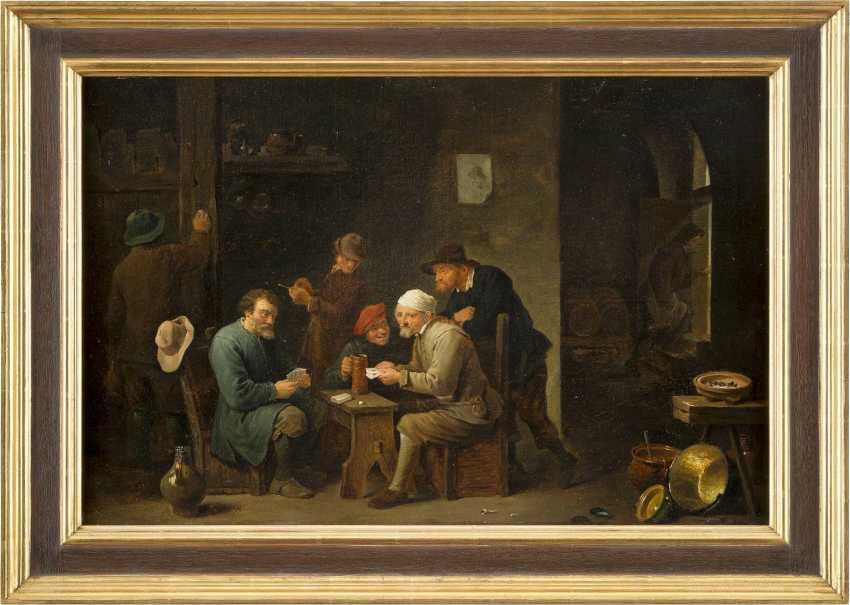 DAVID TENIERS DER JÜNGERE (NACHFOLGER) 1610 Antwerpen - 1690 Brüssel INTERIEUR MIT KARTENSPIELENDEN BAUERN - photo 2