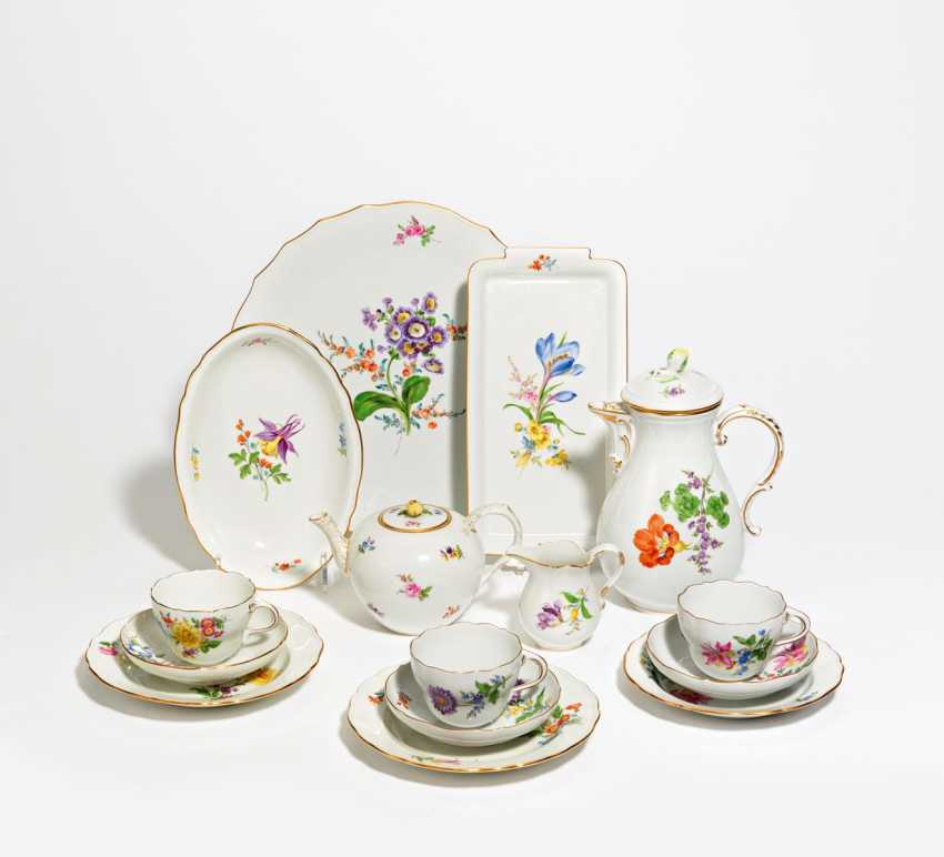Coffee and tea service with floral decoration for 8 people - photo 1