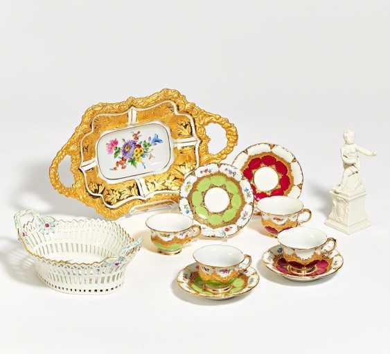 18 mocha cups with saucer, pompous decor - photo 1