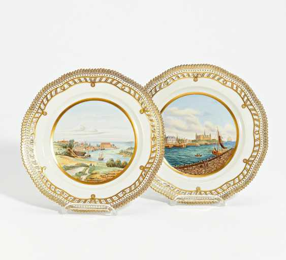 2 plates Flora Danica with Copenhagen city views - photo 1
