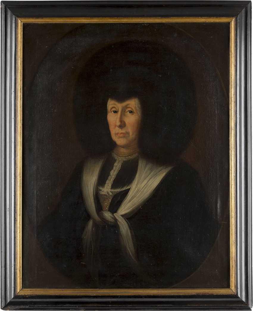 SCHWEIZER PORTRAITMALER Tätig Mitte 18. Jahrhundert BILDNIS EINER DAME IN TRADITIONELLER SCHWEIZER TRACHT FÜR EHRENANLÄSSE - photo 2