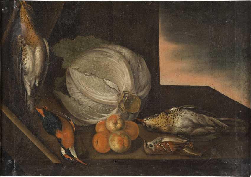 ITALIENISCH-SPANISCHE SCHULE Meister, tätig 17. Jahrhundert STILLLEBEN MIT KOHL, PFIRSICHEN UND FEDERVIEH - photo 1