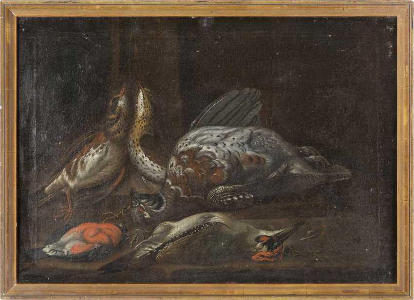 ITALIENISCH-SPANISCHE SCHULE Meister, tätig 17. Jahrhundert STILLLEBEN MIT FEDERVIEH - photo 2