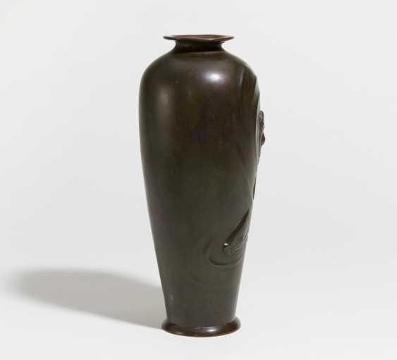 Vase with two large carp - photo 4