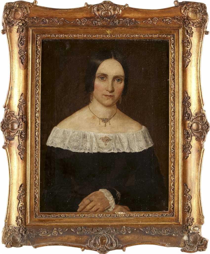 DEUTSCHER PORTRÄTMALER Tätig 1. Hälfte 19. Jahrhundert Zwei Biedermeier-Porträts: feine Dame (1) und edler Herr (2) - photo 1