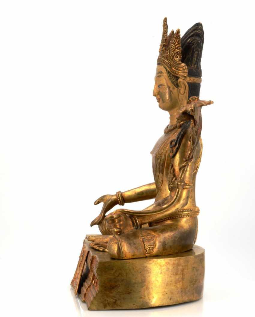 Rare and large figure of the Bodhisattva Padmapani - photo 3