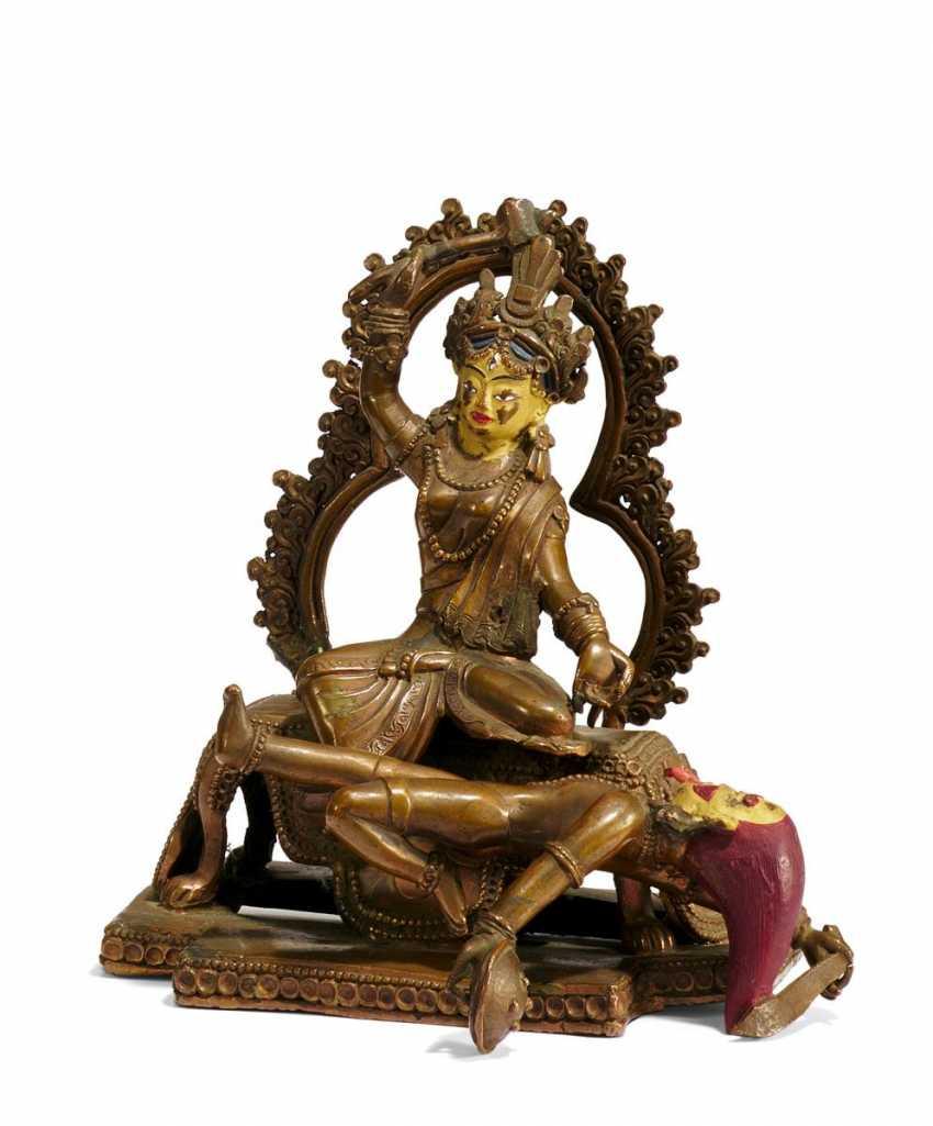 Durga defeats the demon Mahishasura - photo 1