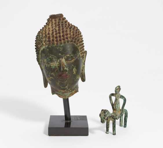 Buddha-Kopf und kleiner Reiter - Foto 1
