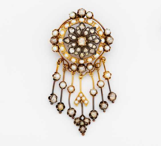 Pearl and diamond brooch - photo 1