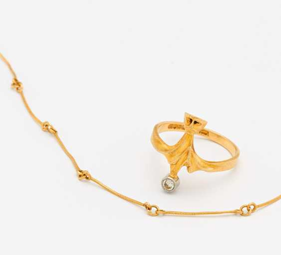 Mixed lot: diamond ring and chain - photo 1
