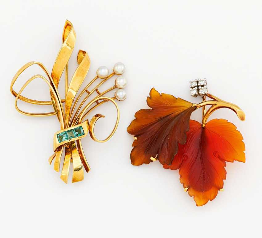 Mixed lot: two brooches - photo 1