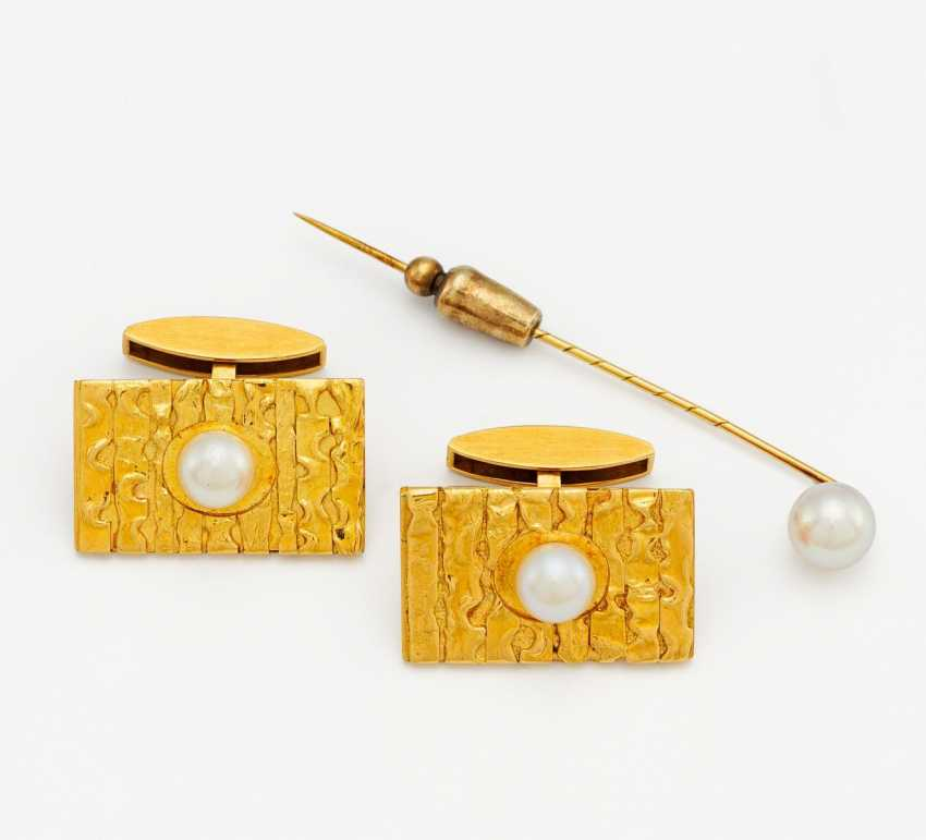 Mixed lot: pearl cufflinks and tie pins - photo 1