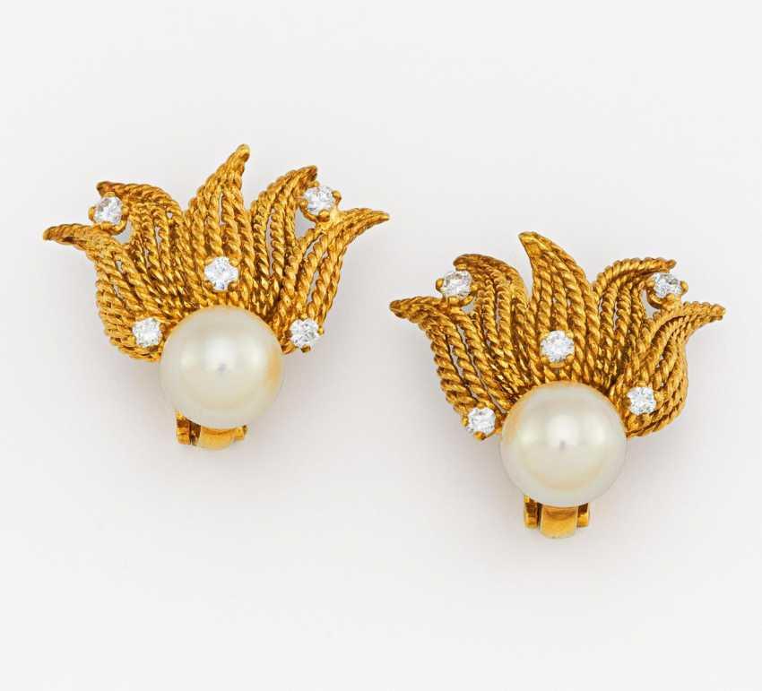 Pearl and diamond clip earrings - photo 1