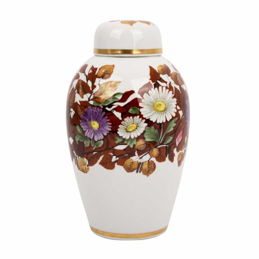 NYMPHENBURG lidded vase, around 1910/20, - photo 2