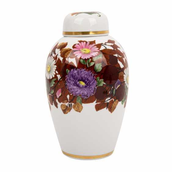 NYMPHENBURG lidded vase, around 1910/20, - photo 3
