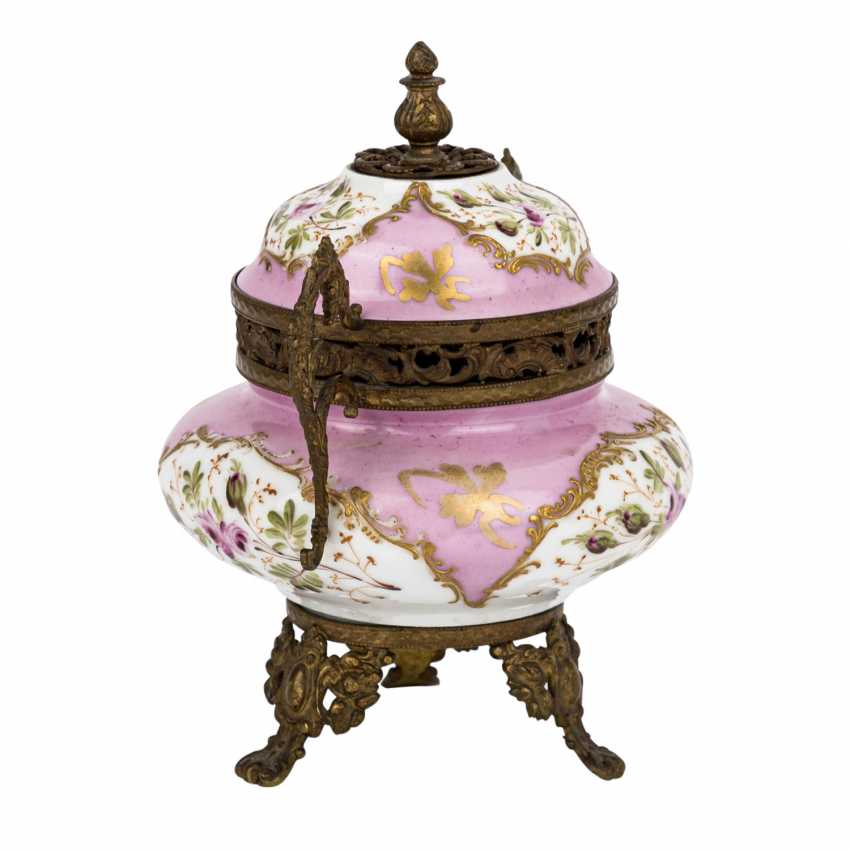 LID JAR IN SEVRES STYLE - photo 2