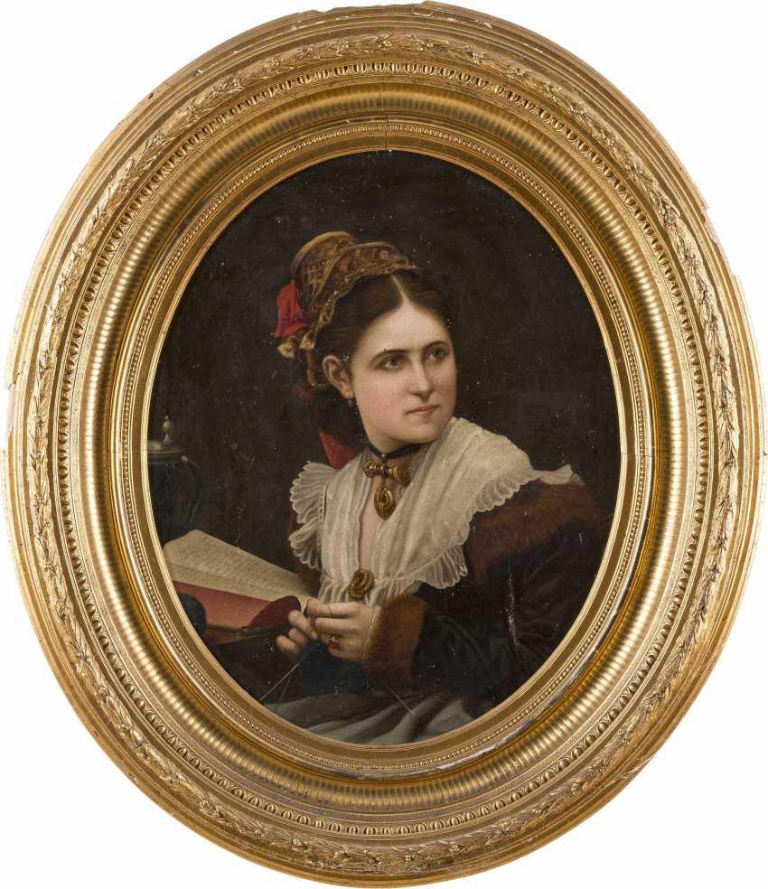 DEUTSCHER PORTRÄTIST Tätig um 1900 Junges Mädchen mit Strickgarn - photo 2