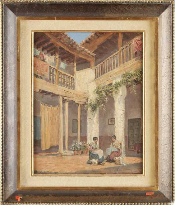 ARTHUR TREVOR HADDON 1864 - 1941 Zwei Spanierinnen bei der Wäsche im sonnigen Innenhof - photo 2