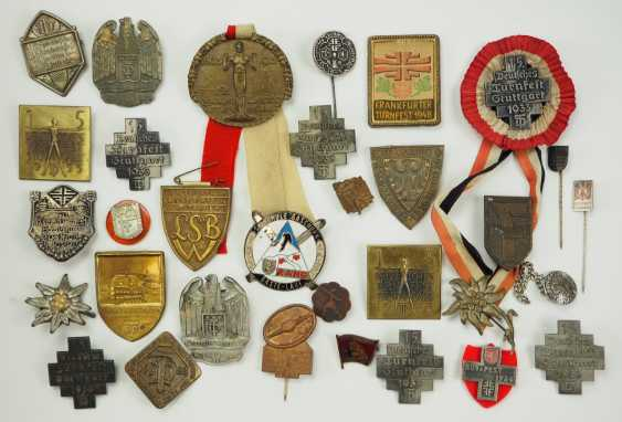 Gymnastics and sports club: Lot badges. - photo 1