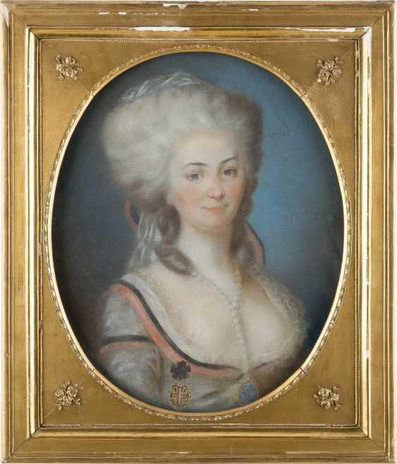 UNBEKANNTER BILDNISMALER Tätig 2. Hälfte des 18. Jahrhundert - photo 2