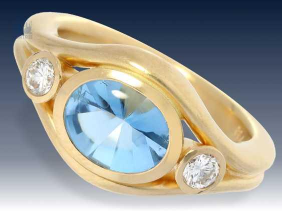 Ring: moderner, massiver und außergewöhnlich gearbeiteter Aquamarin/Brillant-Goldschmiedering von herausragender Qualität - photo 1