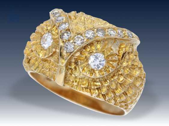 Ring: interessanter und ausgefallener vintage Diamant/Goldschmiedering mit der Darstellung eines Eulenkopfes, 18K Gold - photo 2