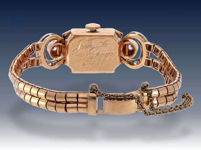 Armbanduhr: extrem seltene und dekorative rotgoldene Art déco Damenuhr von Longines, besetzt mit Rubinen und Diamanten, 40er Jahre - photo 2