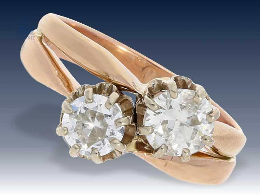 Ring: antiker Goldschmiedering mit großen Altschliffdiamanten, vermutlich um 1910 - photo 1