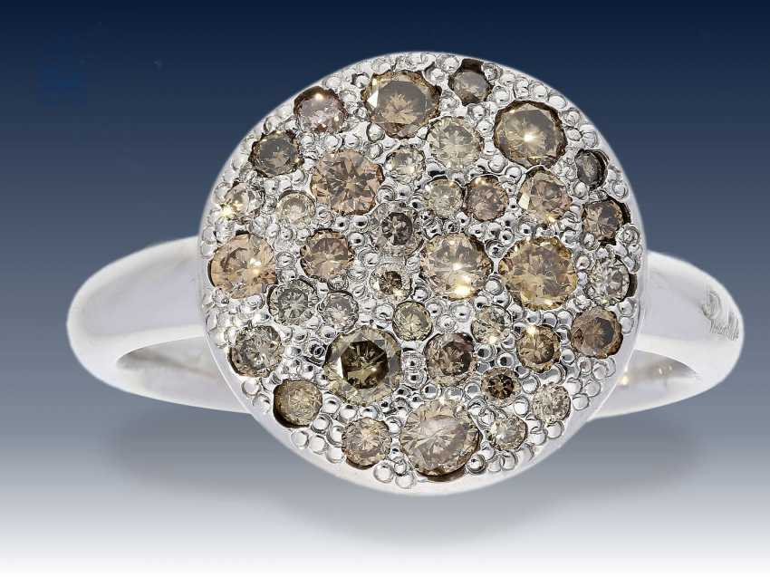 Ring: weißgoldener Goldschmiedering von Pomellato, Modell Sabbia mit mehreren farbigen Brillanten (0,68 Karat) UVP 2500€ - photo 2