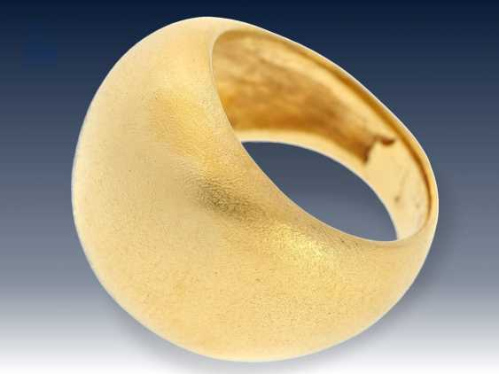 Ring: extrem schwerer, ausgefallen gefertigter und äußerst hochwertiger Goldschmiedering, handgetrieben aus Feingold, sog. Bombé Design - photo 1