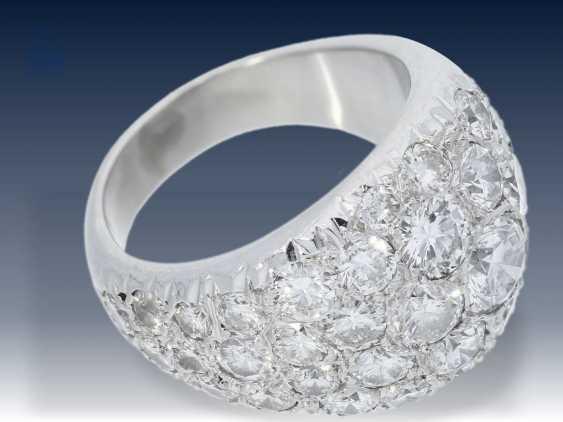 Ring: hochwertiger Platin-Pavé-Goldschmiedering mit reichhaltigem Diamantbesatz, ca. 3ct, Anfertigungspreis lt. Besitzerin ca.12.000,-DM - photo 2
