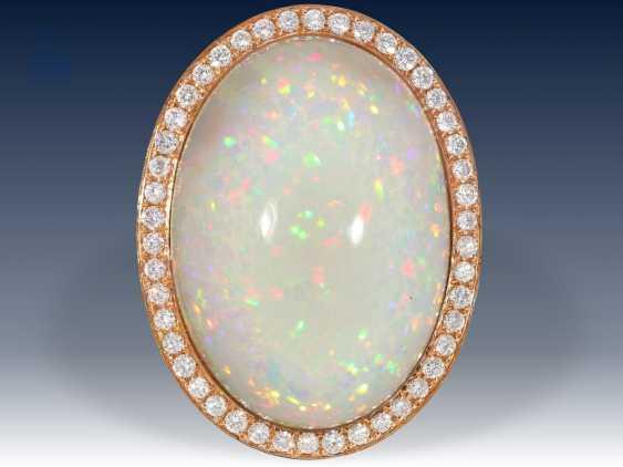 Ring: exquisiter, äußerst hochwertiger Goldschmiedering mit außergewöhnlich großem Opal und Brillantbesatz, Neupreis lt. Einlieferer 9800€ - photo 1