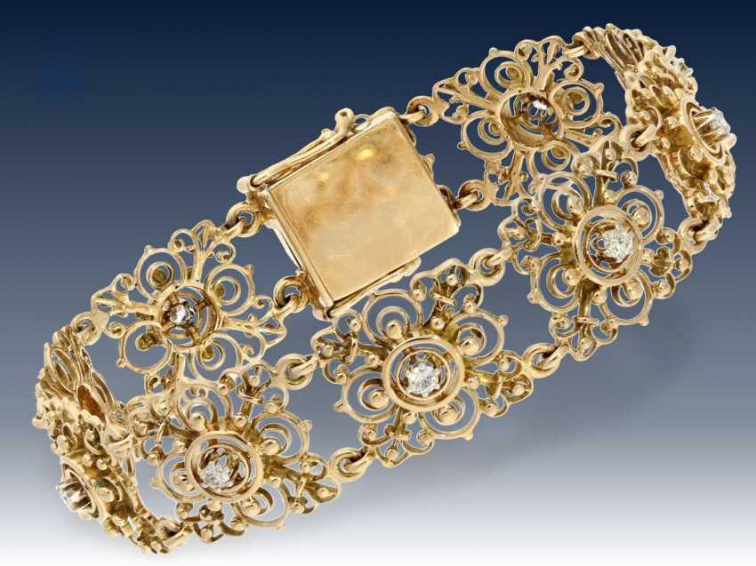 Armband/Ohrschmuck: äußerst dekoratives vintage Goldarmband mit Brillantbesatz sowie passendem Ohrschmuck und dazugehöriger Brosche, 50er Jahre - photo 2