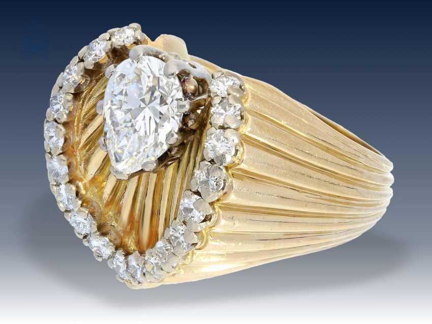 Ring: ganz ausgefallener, sehr dekorativer vintage Brillant-Goldschmiedering, seltener Tropfendiamant von ca. 1,2ct, verm. Frankreich 50er Jahre - photo 1