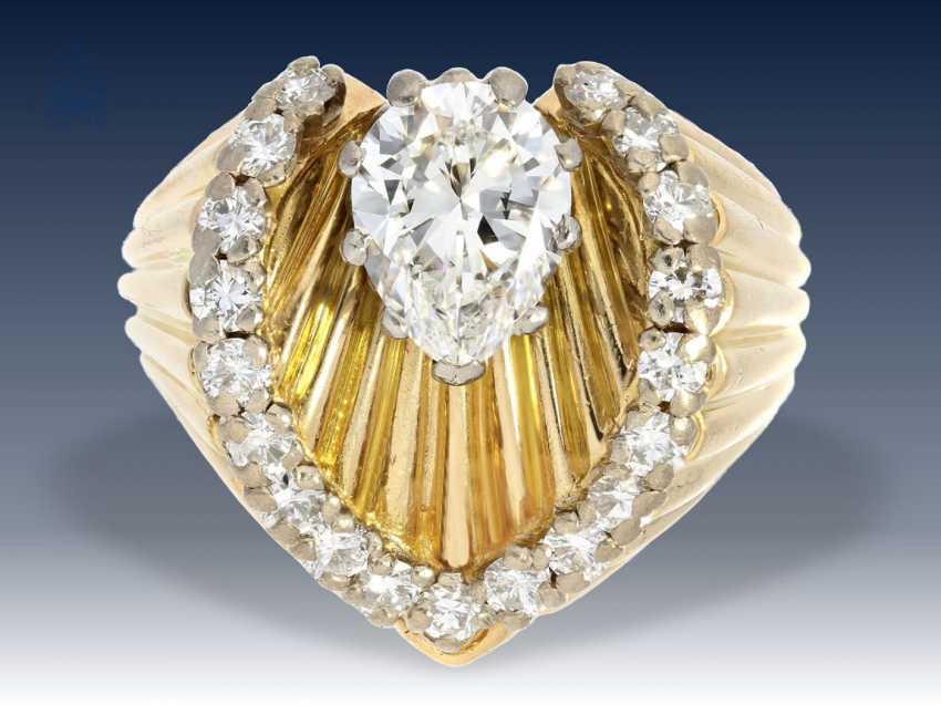 Ring: ganz ausgefallener, sehr dekorativer vintage Brillant-Goldschmiedering, seltener Tropfendiamant von ca. 1,2ct, verm. Frankreich 50er Jahre - photo 2