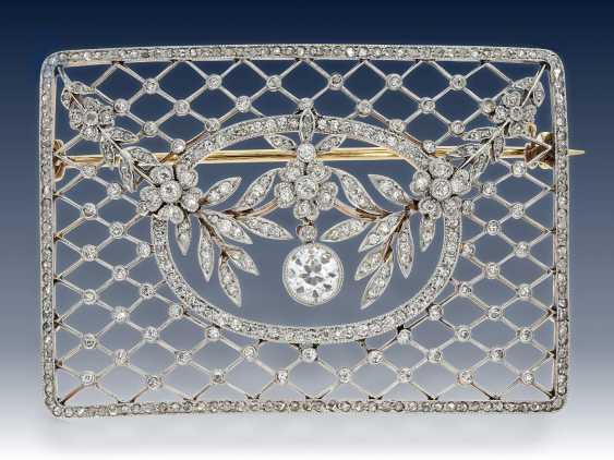 Brosche: antike Diamantbrosche von hervorragender Qualität, vermutlich Russland um 1900 - photo 1