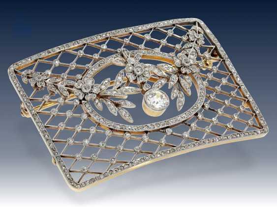 Brosche: antike Diamantbrosche von hervorragender Qualität, vermutlich Russland um 1900 - photo 2