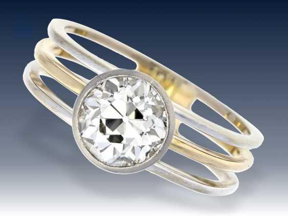 Ring: großer, sehr schöner, hochwertiger Altschliff-Diamant von 2,38ct, individuelle Goldschmiedearbeit, Wertgutachten von 1989 über 33.000,- DM - photo 1