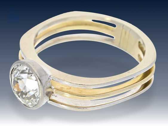 Ring: großer, sehr schöner, hochwertiger Altschliff-Diamant von 2,38ct, individuelle Goldschmiedearbeit, Wertgutachten von 1989 über 33.000,- DM - photo 2