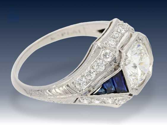 Ring: sehr wertvoller antiker Diamantring, vermutlich aus der Zeit des Art déco - photo 2