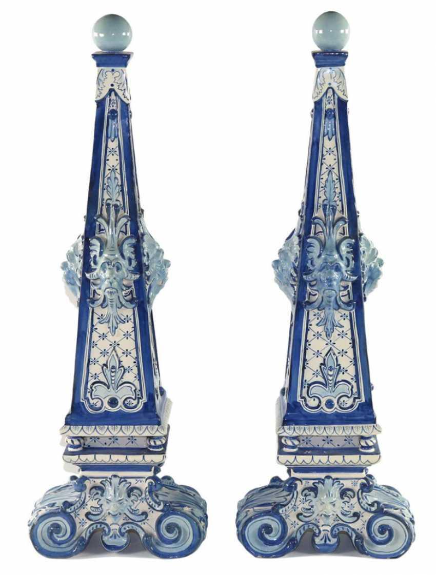 Delft Pair of Obelisks. - photo 1